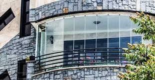 شیشه بالکن