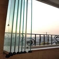 شیشه متحرک